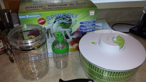 Salad spinner, dressing carafe, storage jar, Spirooli